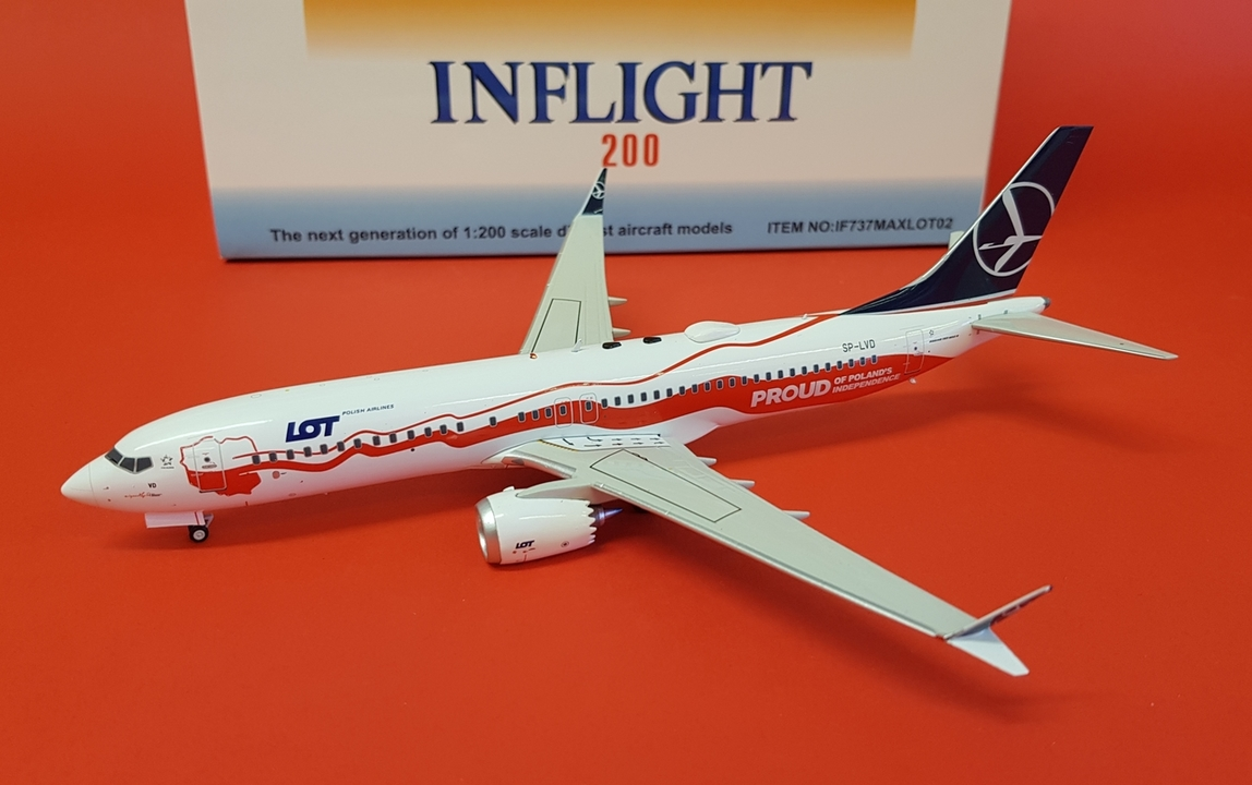 - 1/200 LOT 737 MAX8 'Proud of Poland's Independence' SP-LVD £90.00