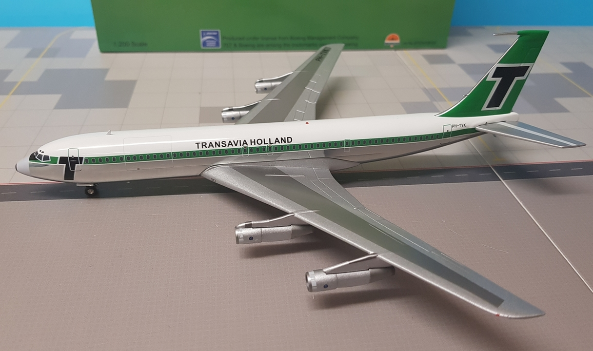 - 1/200 Transavia Holland 707-329C PH-TVK £95.00