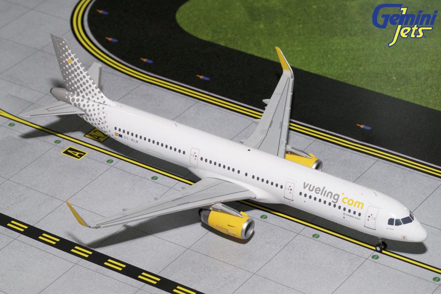 - 1/200 Vueling A321 EC-MLM £80.00