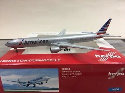 - 1/500 American Airlines 777-300ER N717AN £29.50