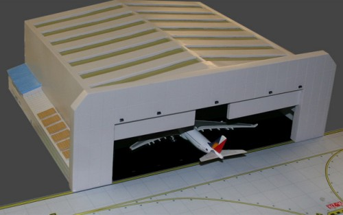 - 1/400 Wide Body Airport Hangar £60.00