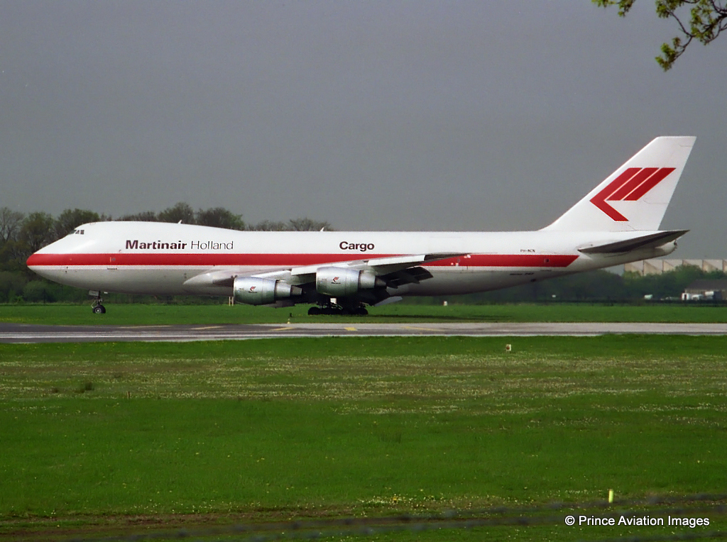 Martinair B747F PH-MCN operated a freight charter for Rolls Royce to Abu Dhabi on 26th April 1993.Photo - taken by Stuart Prince from the old South side Viewing Park.