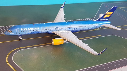 - 1/400 Icelandair 757-200 'Vatnajokull' TF-FIR£80.00