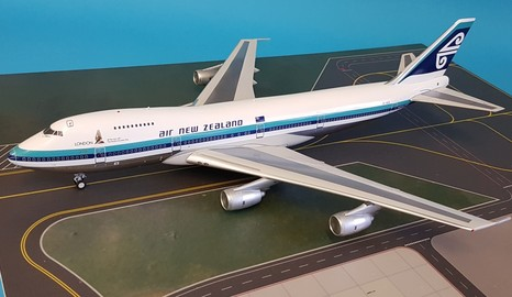 - 1/200 Air New Zealand 747-200 ZK-NZZ £125.00
