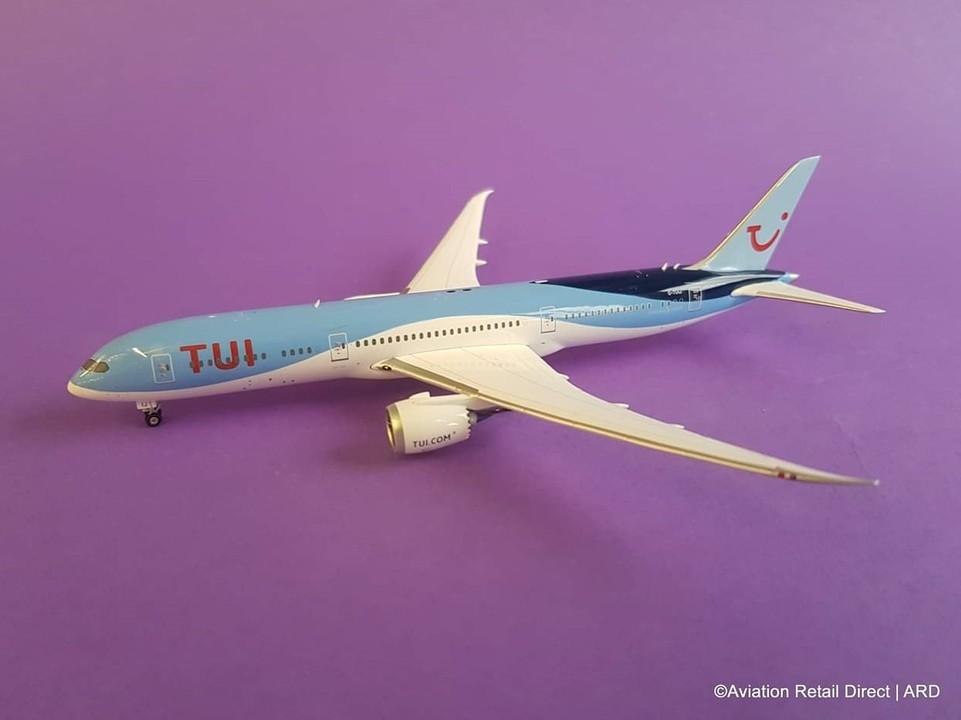 - 1/400 TUI 787-9 G-TUIJ £40.00