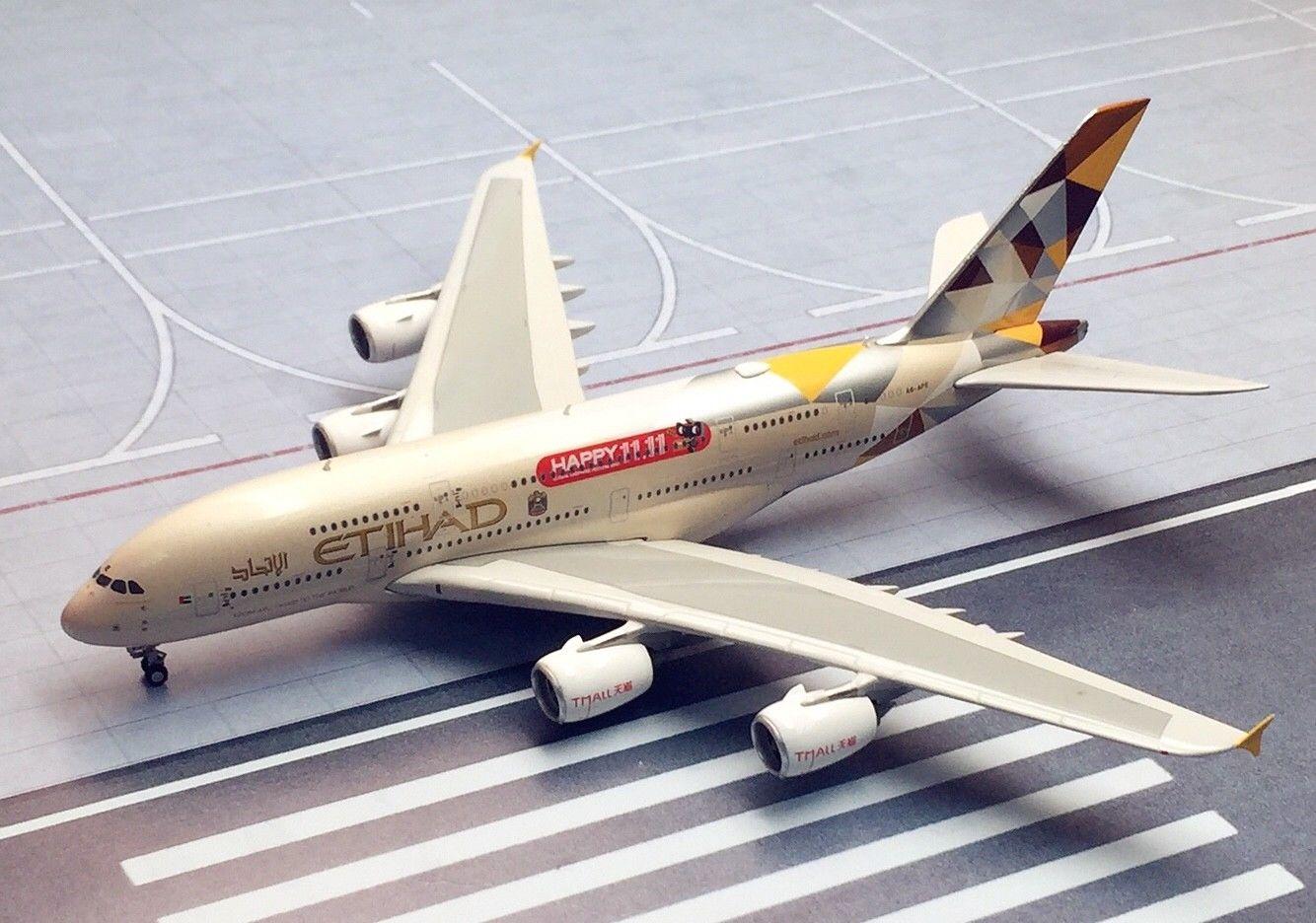 - 1/400 Etihad A330-200 A6-EYD £45.00