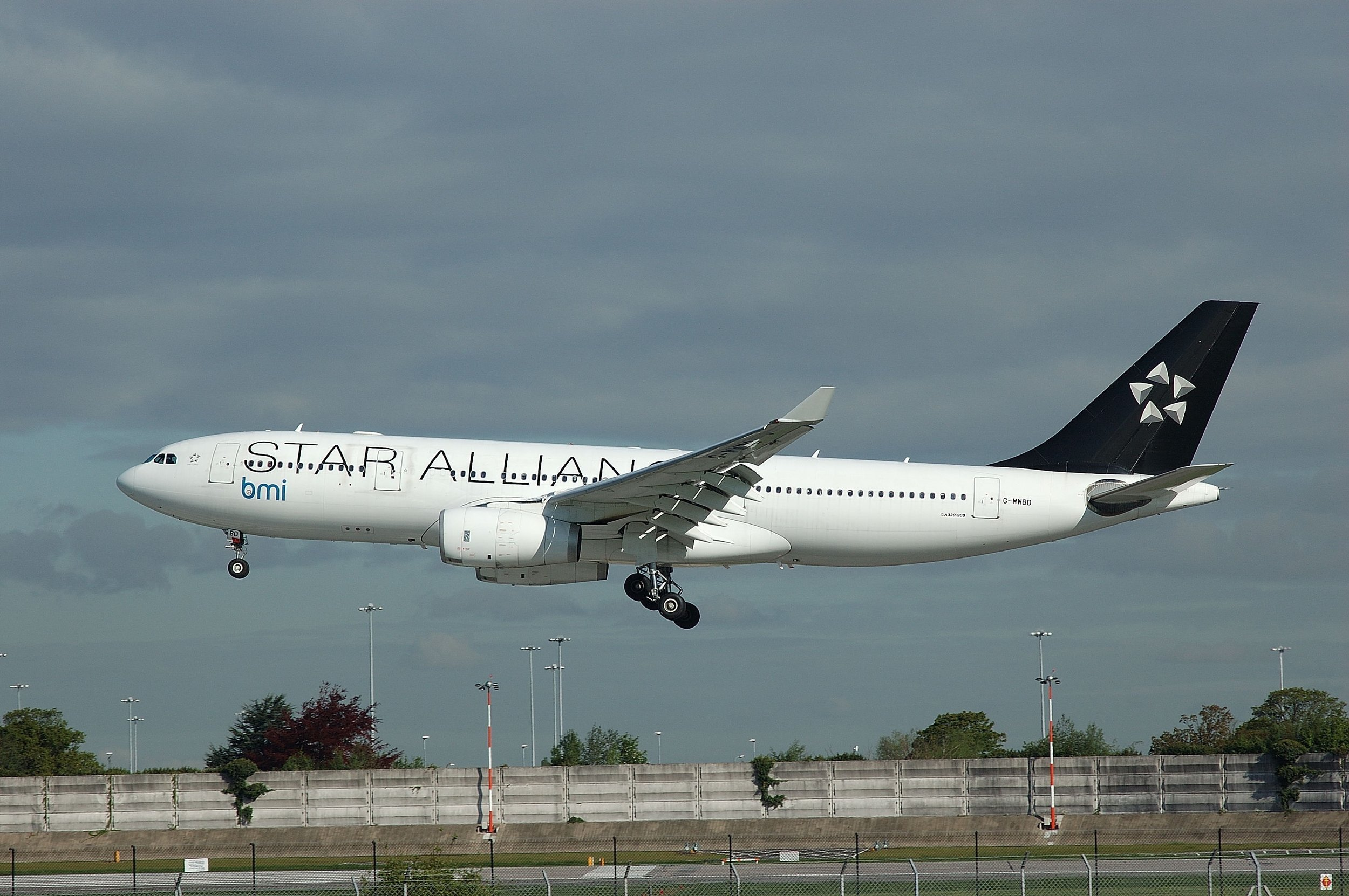 A great shot from Paul Rowland of bmi / Star Alliance A330-200 G-WWBD just prior to touch down on Runway 23 Right on 9th May 2005.