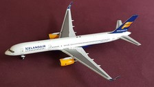 - 1/400 Icelandair 757-200 TF-ISF £45.00