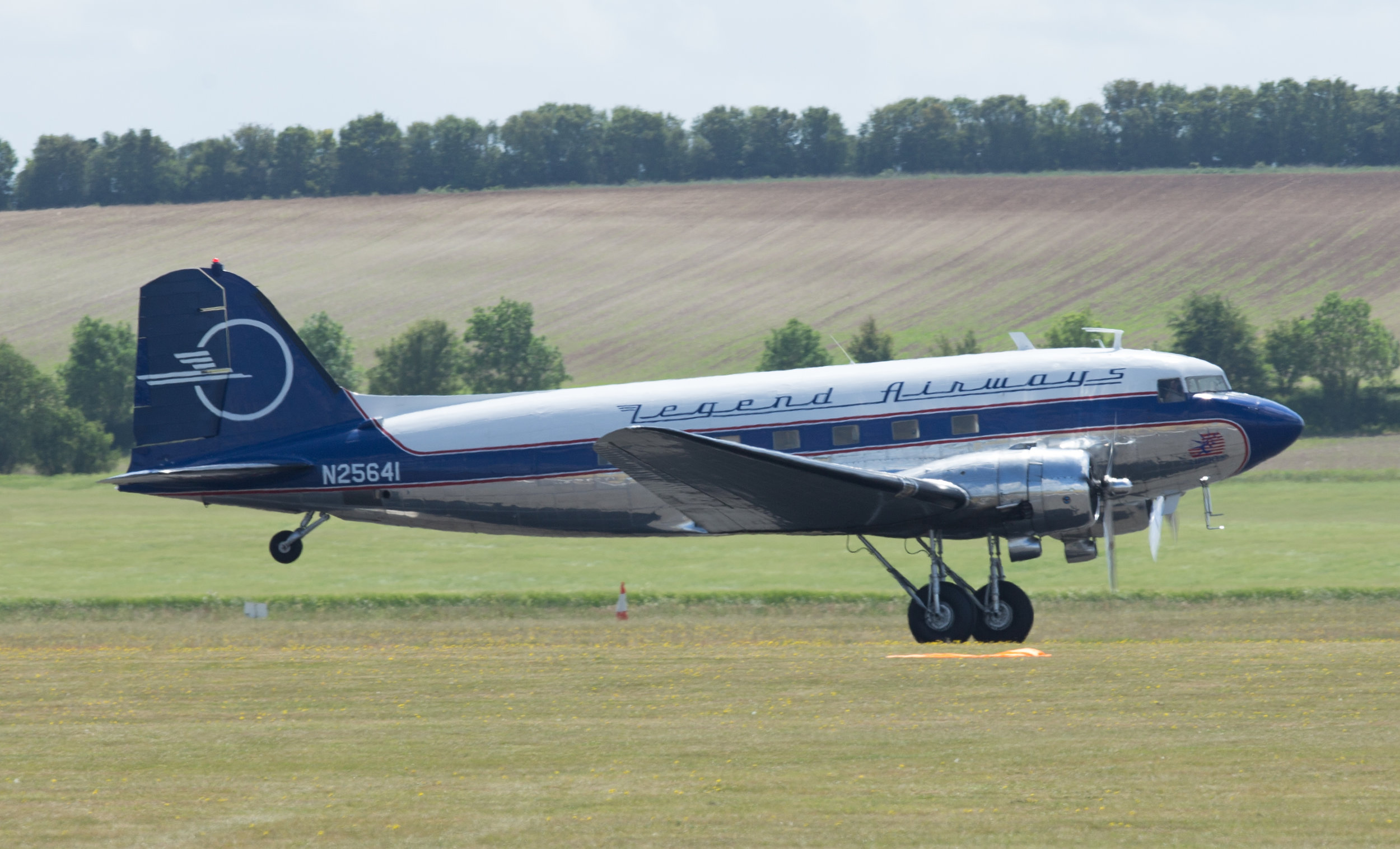 Legend Airways N25641 landing at Duxford Monday 3rd June: Photo Peter Hampson