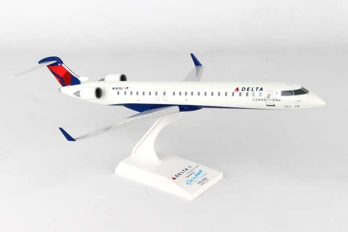 - 1/100 Delta Connection GoJet CRJ900£50.00