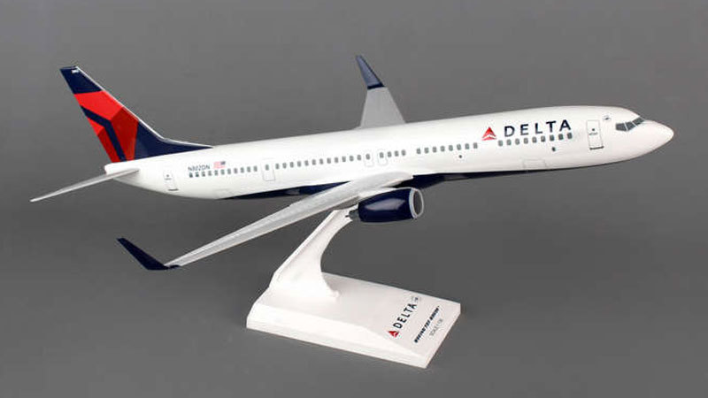 - 1/130 Delta 737-900 New Livery N802DN £45.00