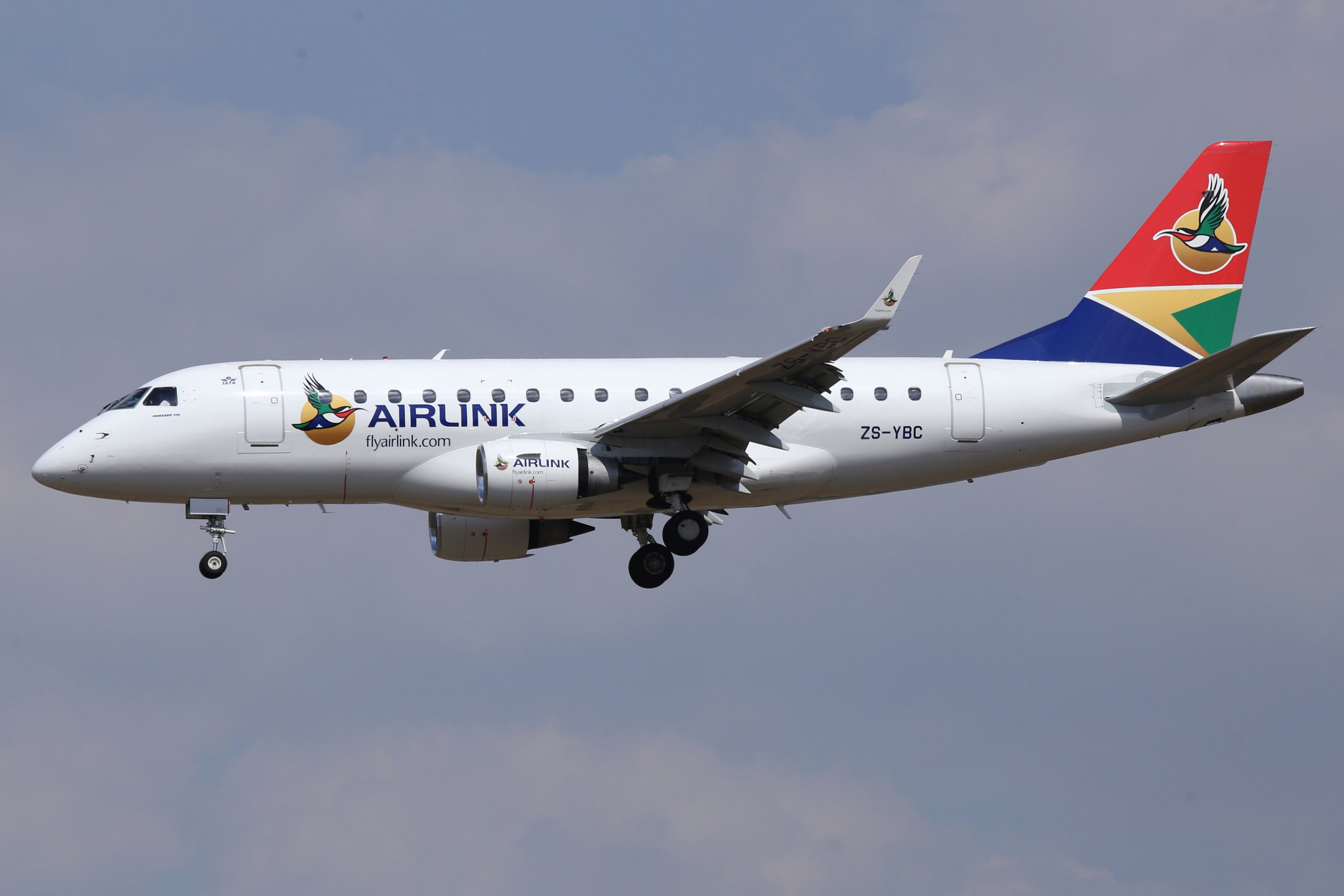 ZS-YBC SAA Airlink Embraer 170 taken at Johannesburg 10th November 2018 by John Wood
