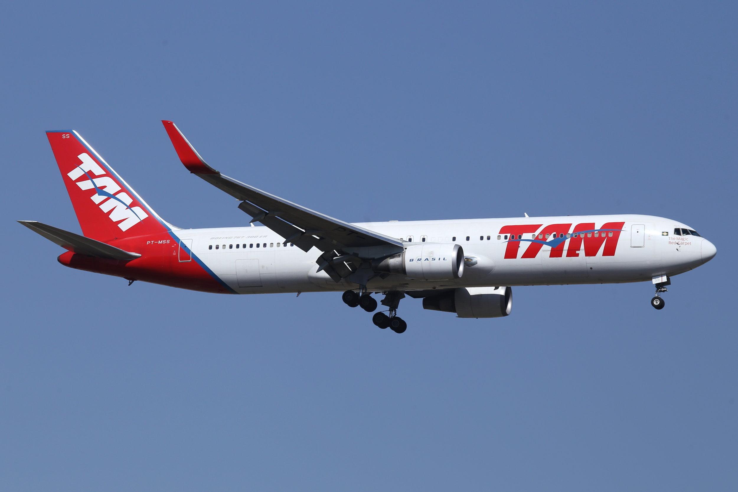 PT-MSS TAM B767 taken at Johannesburg 13th November 2018 by John Wood