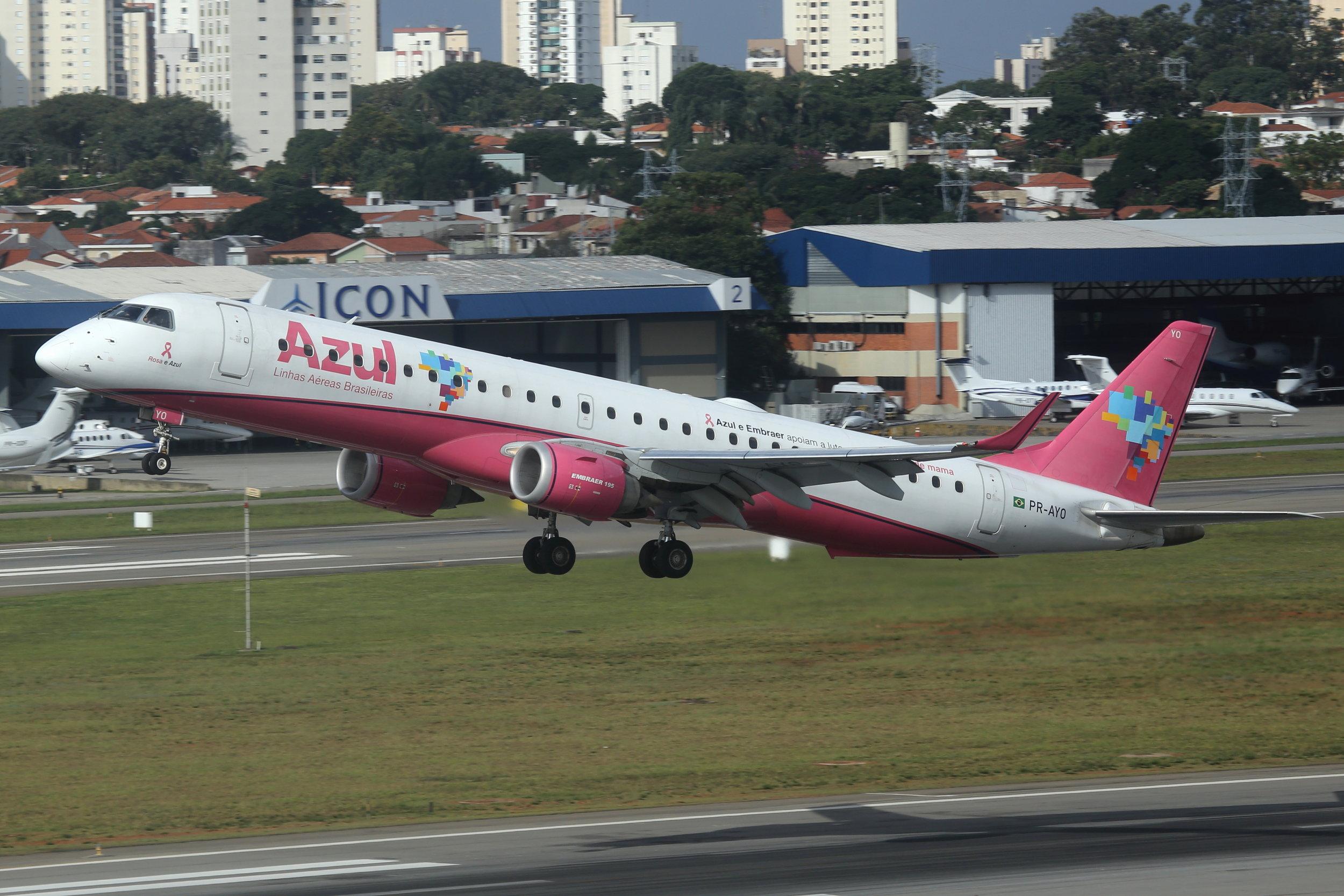 PR-AYO AZUL Linhas Aereas Brasileiras Embraer 195AR departing Sao Paulo Congonhas Airport taken from the Slaveiro Slim hotel 28th April 2019 by John Wood