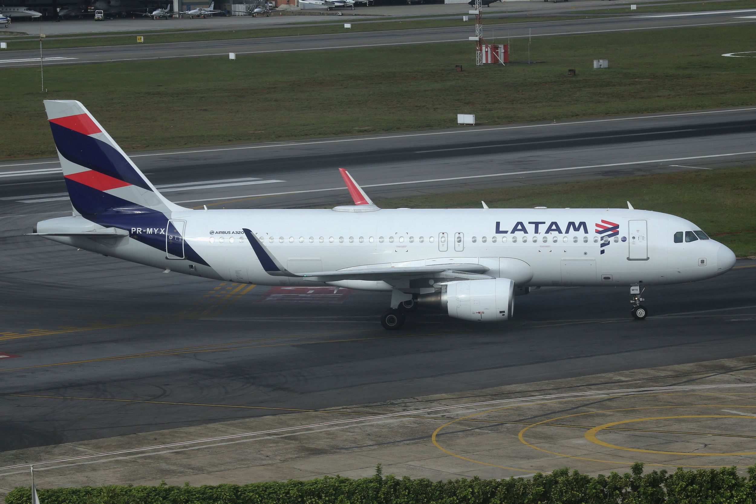 PR-MYX LATAM A320 taken from the Slaveiro Slim hotel at Sao Paulo Congonhas Airport 28th April 2019 by John Wood