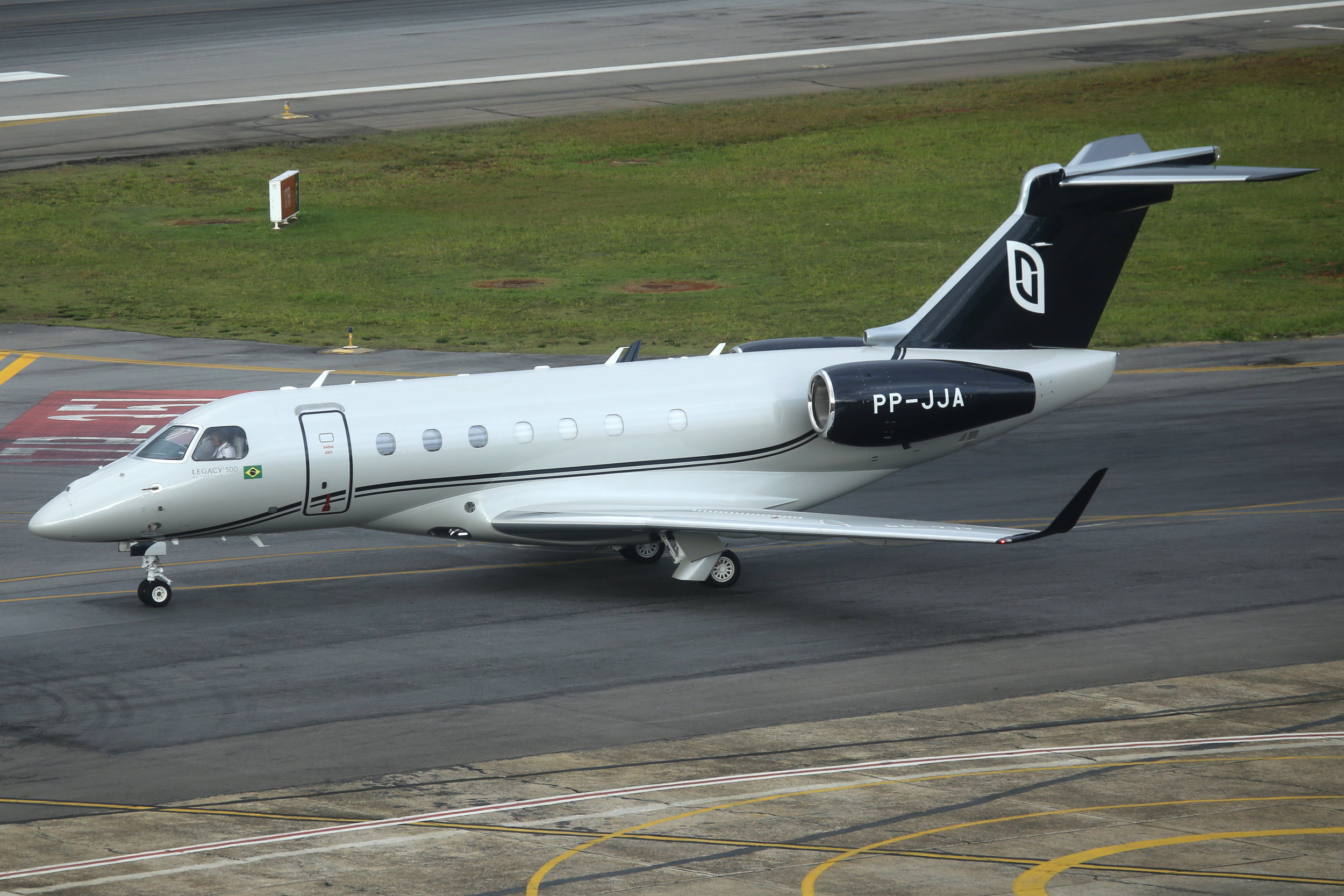 PP-JJA Embraer 550 Legacy 500 taken from the Slaveiro Slim hotel at Sao Paulo Congonhas Airport 29th April 2019 by John Wood