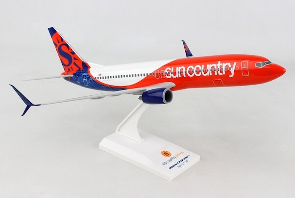 - 1/130 Sun Country 737-800 N820SY £45.00