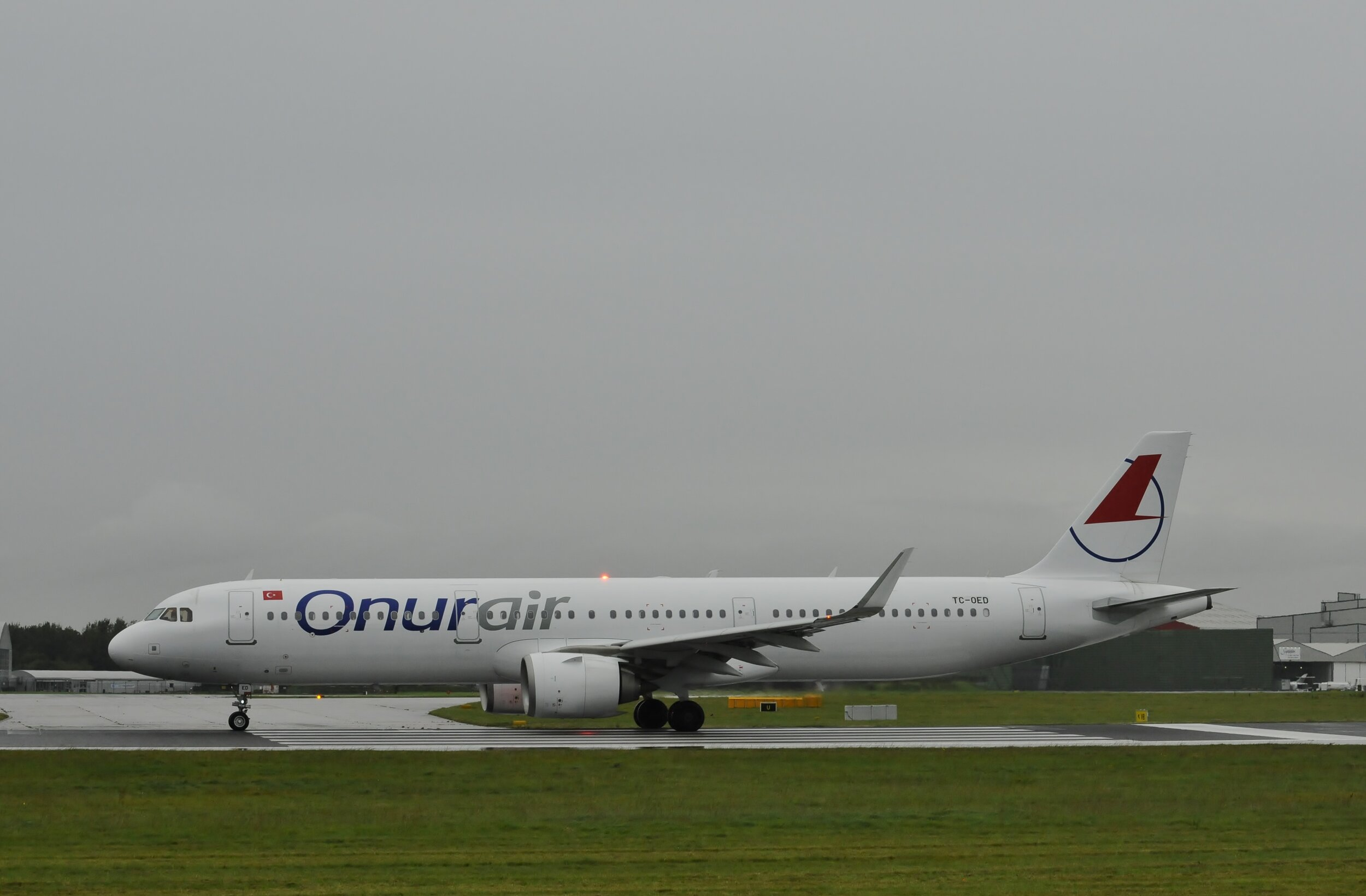 Onur Air A321 TC-OED at Manchester 26th September 2019. With thanks to Darren Moston