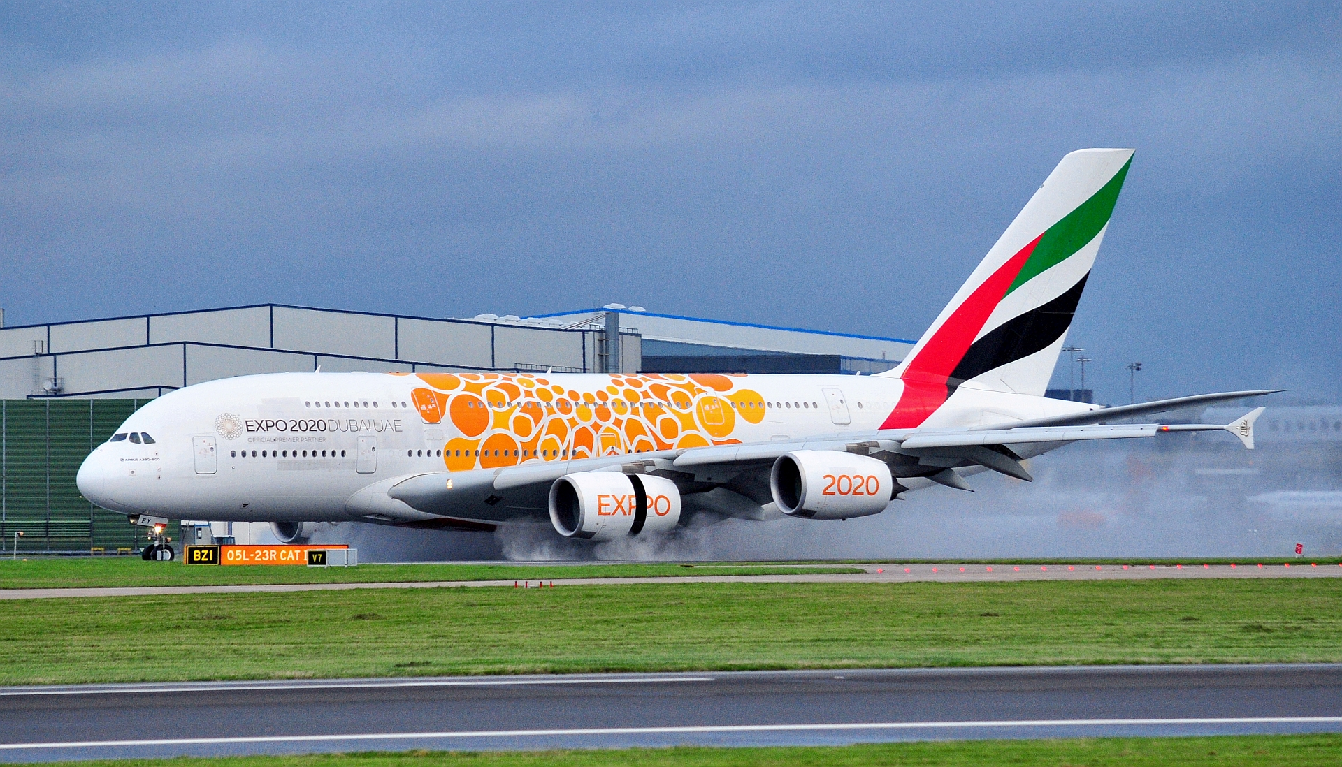 "Emirates A380 A6-EEY wearing the ""Orange"" Expo 2020 scheme.Manchester 28th September 2019. Photo:Ross Fearn"