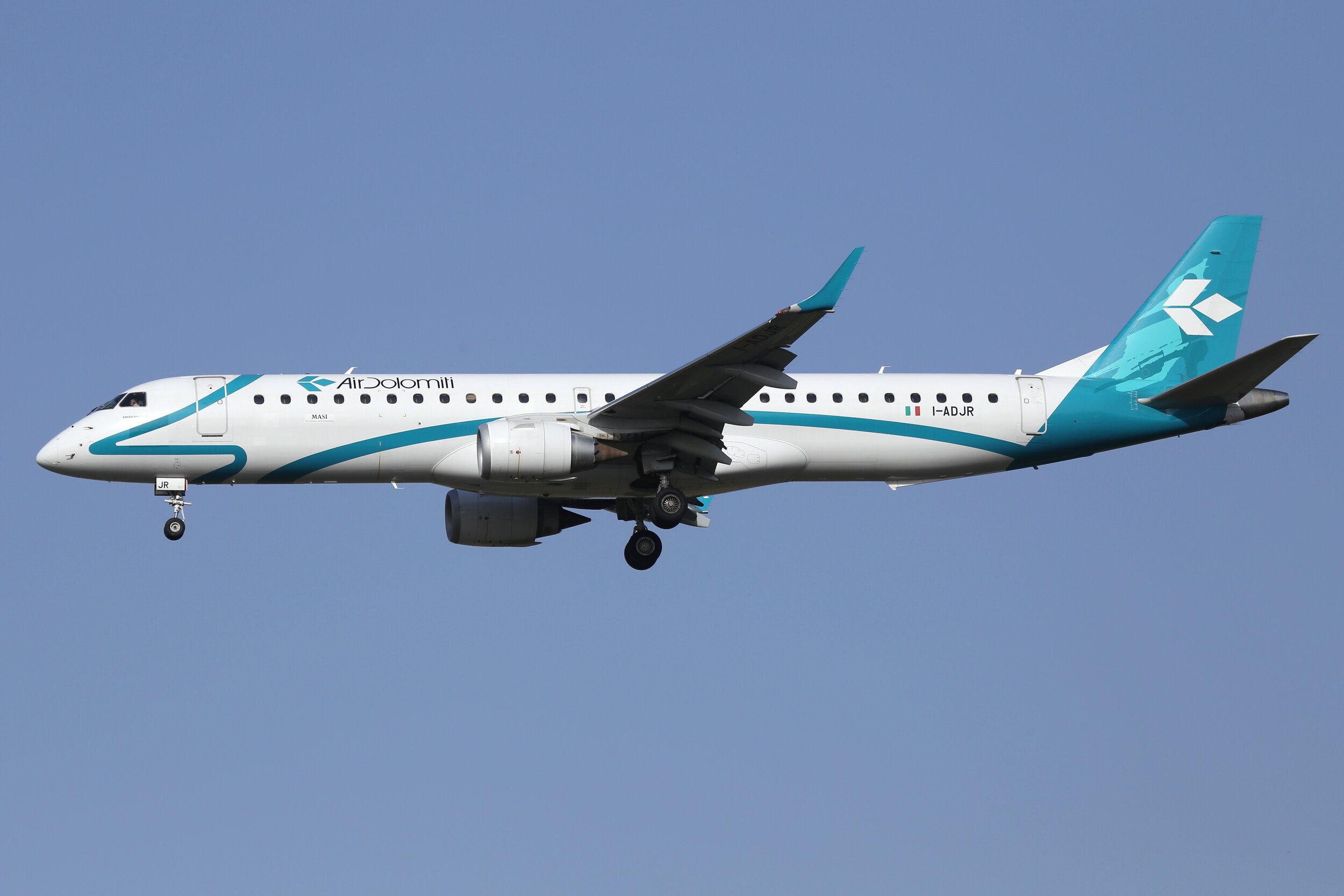 Air Dolomiti Embraer E195LR I-ADJR was captured on approach to Toulouse Blagnac by John Wood on 17th September 2019.
