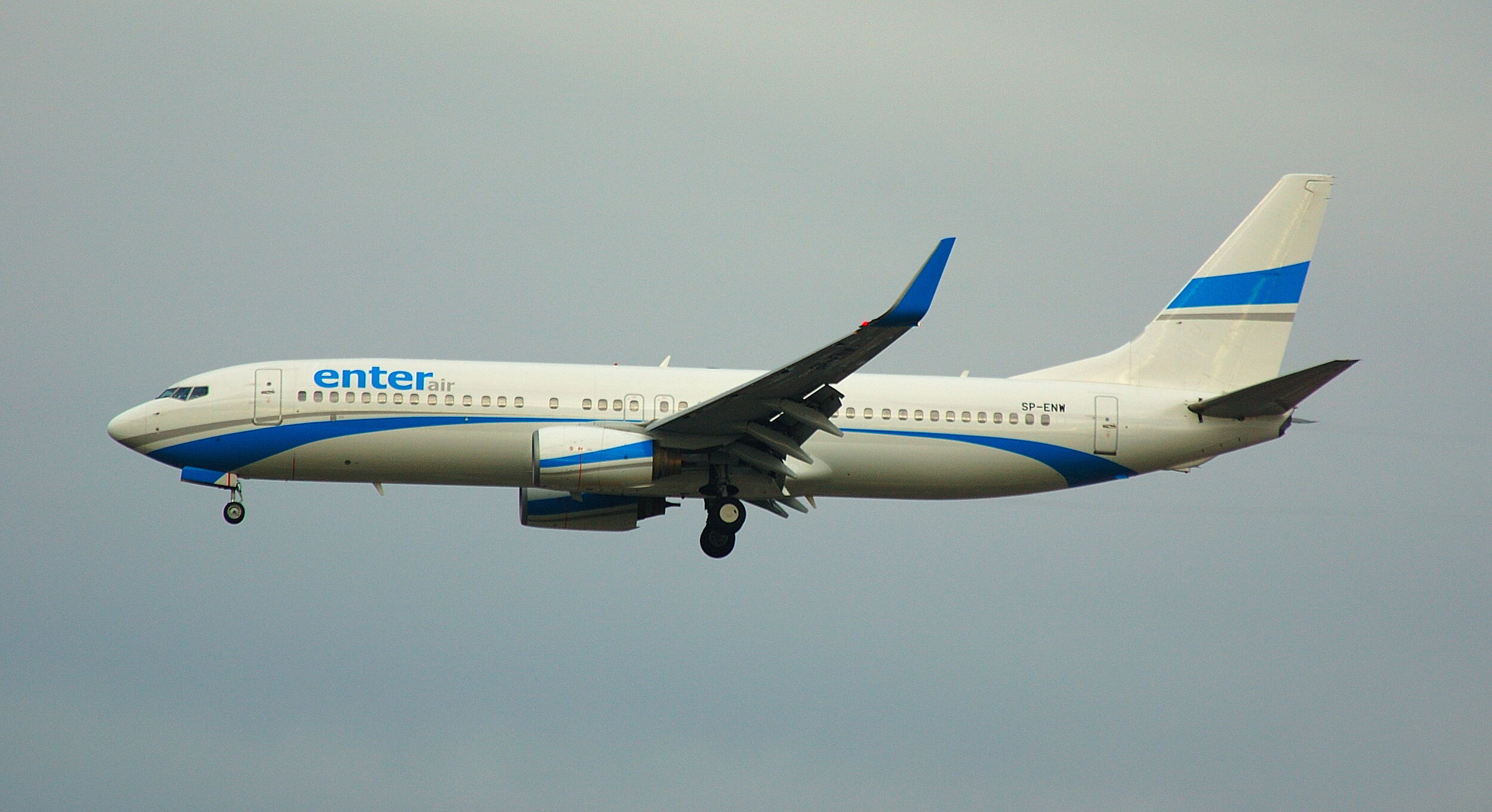 Enter air B737-800's were seen in abundance at Manchester today (22nd October) transporting Atalanta fans for the UEFA Champions League game with Man City. SP-ENW was photographed by Paul Rowland.