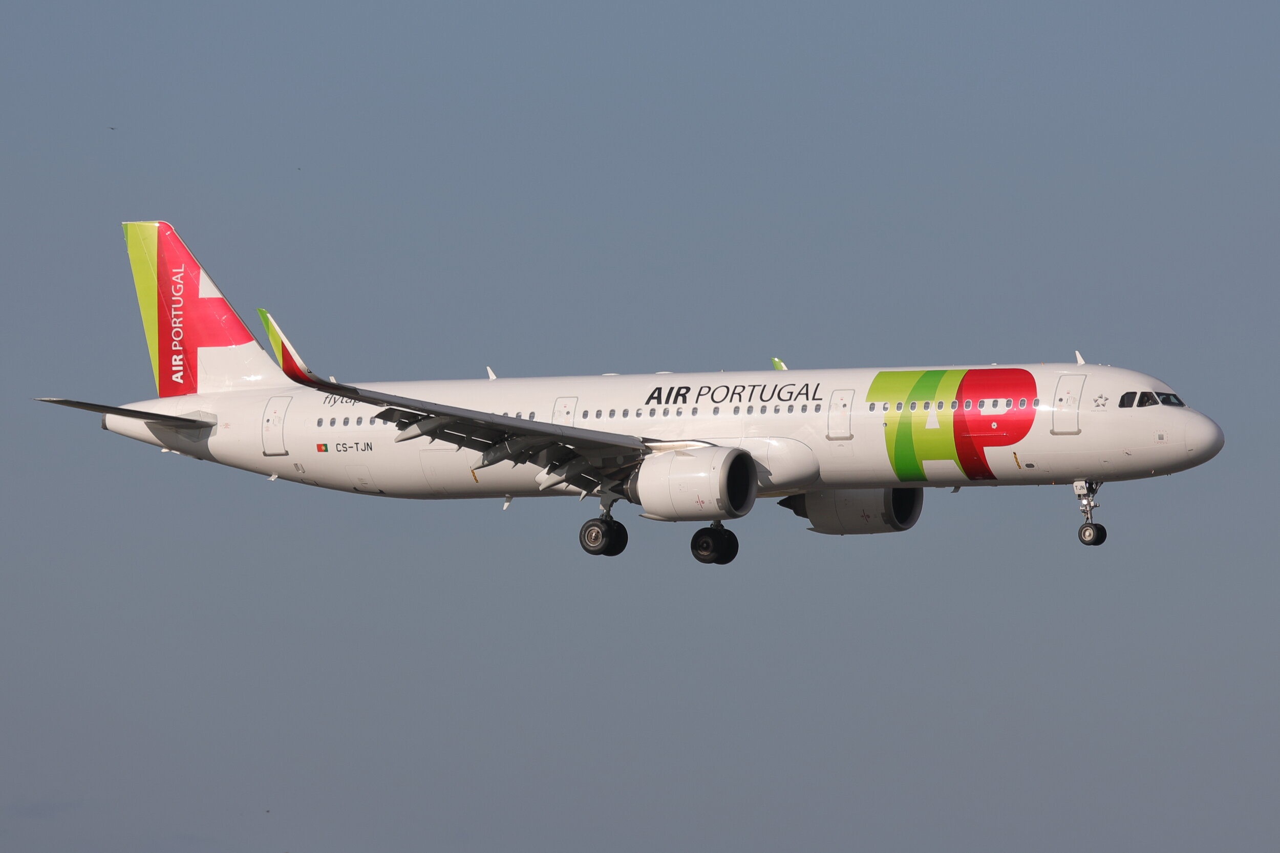 Air Portugal A321N CS-TJN was nicely captured on short final to Runway 05 Left by Steve Ashworth on Friday 8th November.