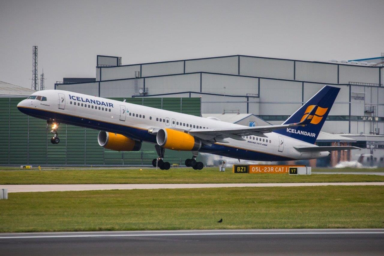 Icelandair B757-200 TF-ISL becomes airborne from Runway 23 Right 9th November 2019.Photo:Mike Grundy.