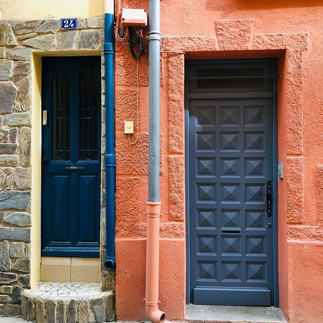 Today's color inspiration is from the colorful French town of Collioure. Spotted on a recent weekend getaway.