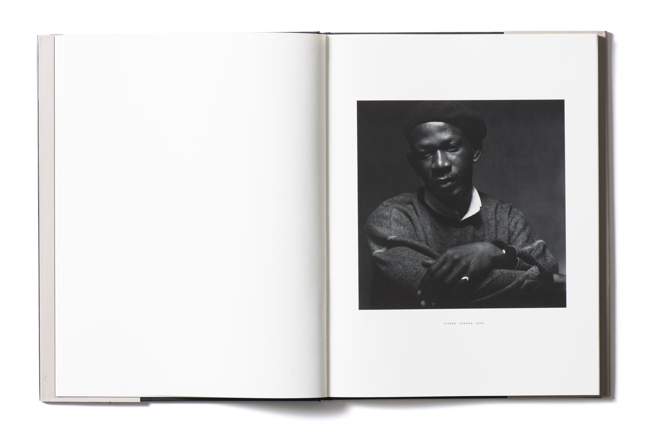 Kunstband Fotografien Peter Hebeisen Titel Feindbilder #1