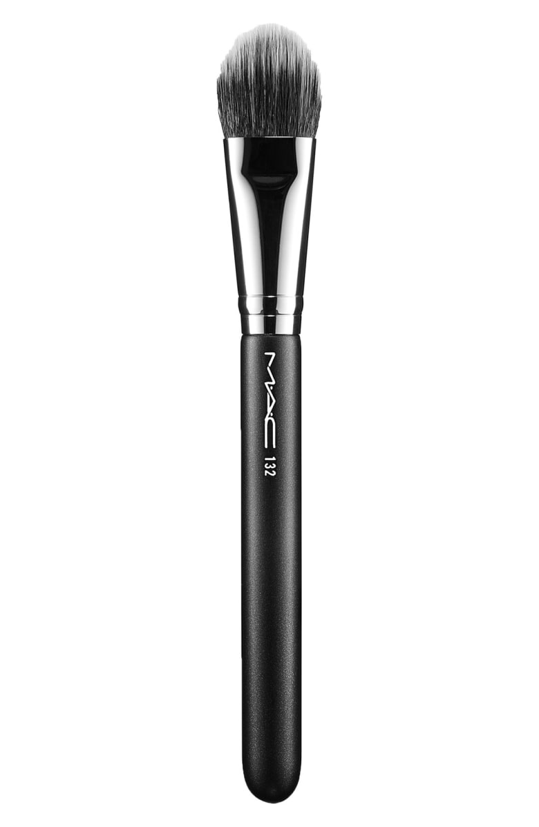 132S Duo Fibre Foundation Brush - Best Makeup Brushes And Sets