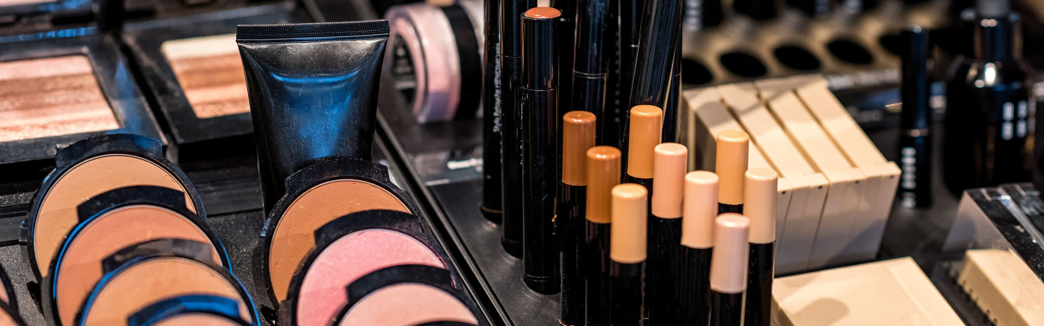 Best Foundations For Oily Skin, Be Shine Free
