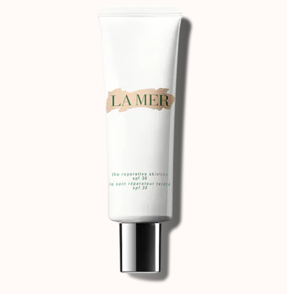 Crème de la Mer The Reparative SkinTint - Best Tinted Moisturisers And How To Use