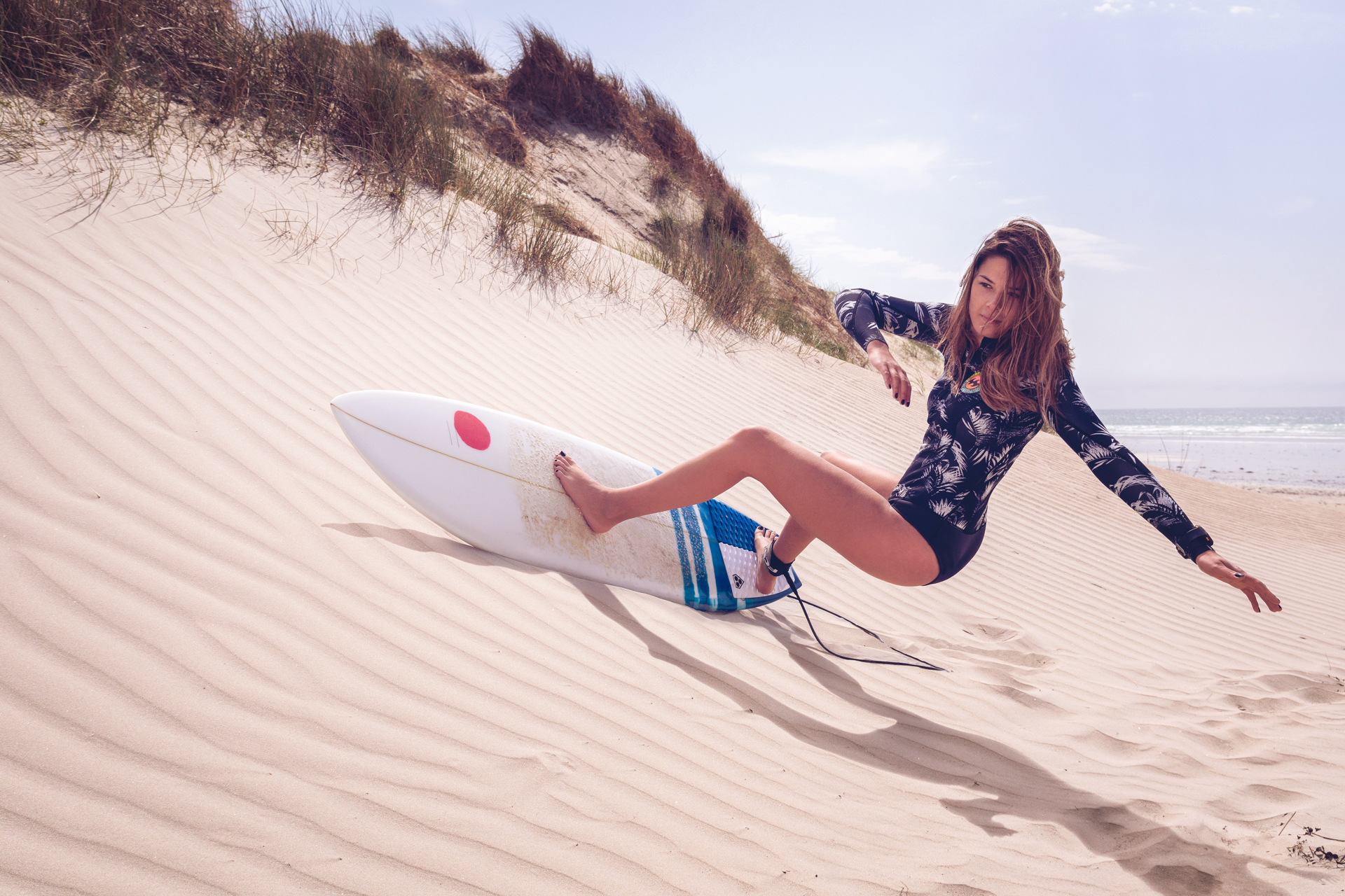 Thea_SandSurfing_R_Lr_LT.jpg