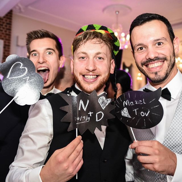 We don't always bring props to our weddings and events... But when we do, it's great fun!! Nicky and Dave, their friends, their family and even their band got involved with our props for magnet photos!  Speak to your booking manager to add them to your event up to 2 weeks before. —— #iamMAGNIV #props #fancydress #photoshoot #dancefloor #weddings #fun #laughter #celebrate