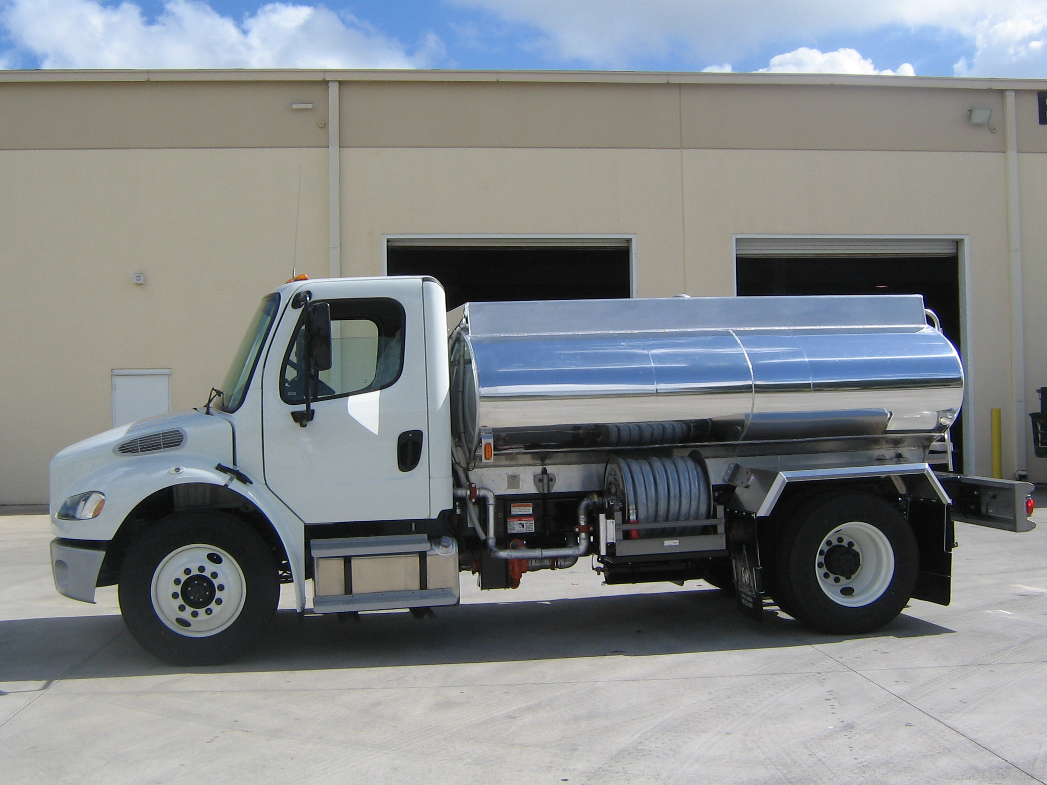 argoamerican-Water-Truck_05.jpg