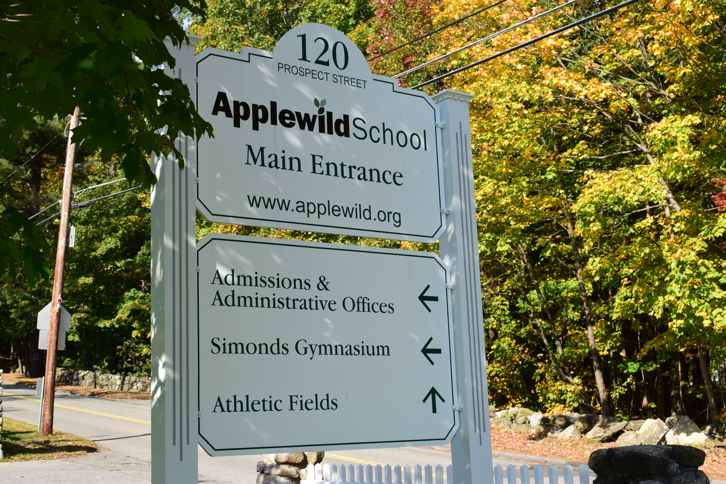 Applewild School Main Entrance Sign