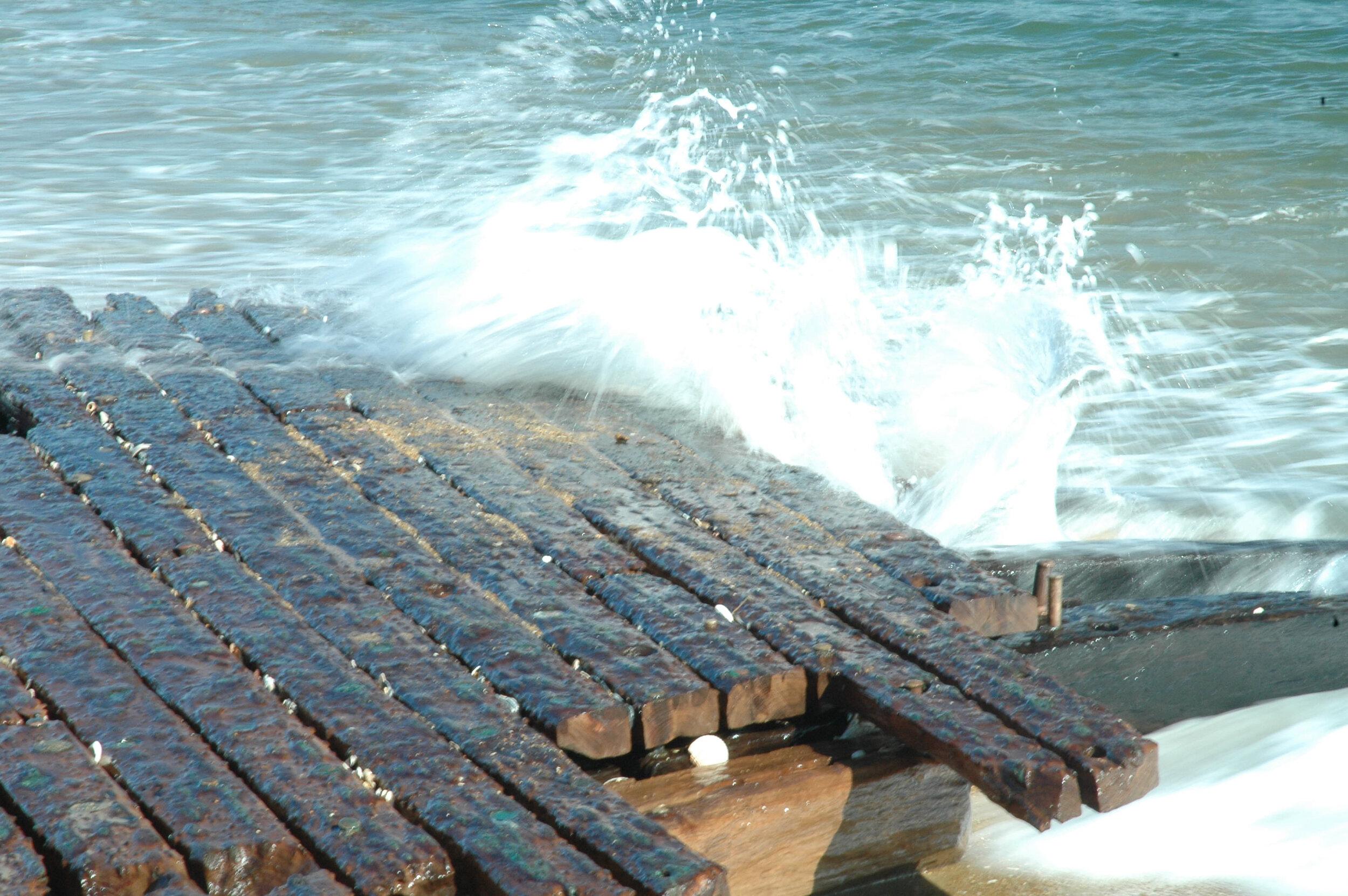 Kill Devil Come the Storm's    cover shows the same shipwreck