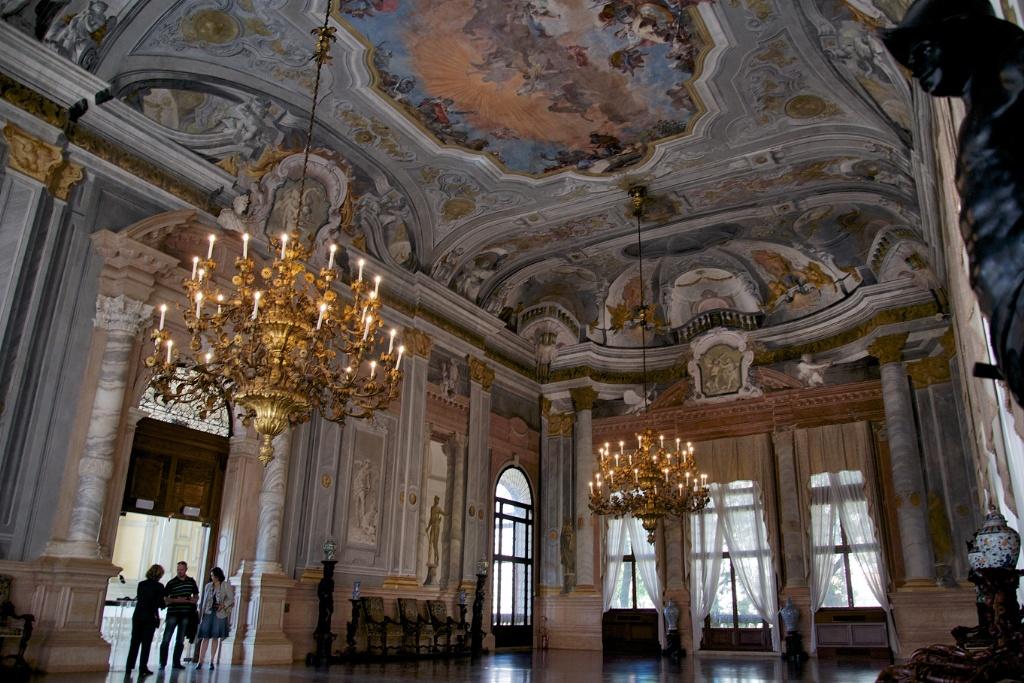 Grand-Ballroom-Ca-Rezzonico-Venice-Italy.jpg