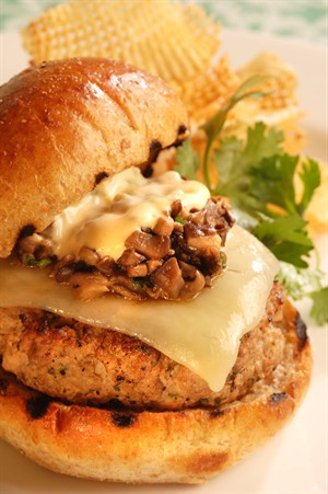 veal_steak_burger_with_tobasco_chipotle_pepper_sauce.jpg