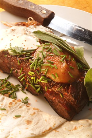 peppered_short_ribs_of_veal_with_firecracker_apple_sauce_and_sour_cream.jpg