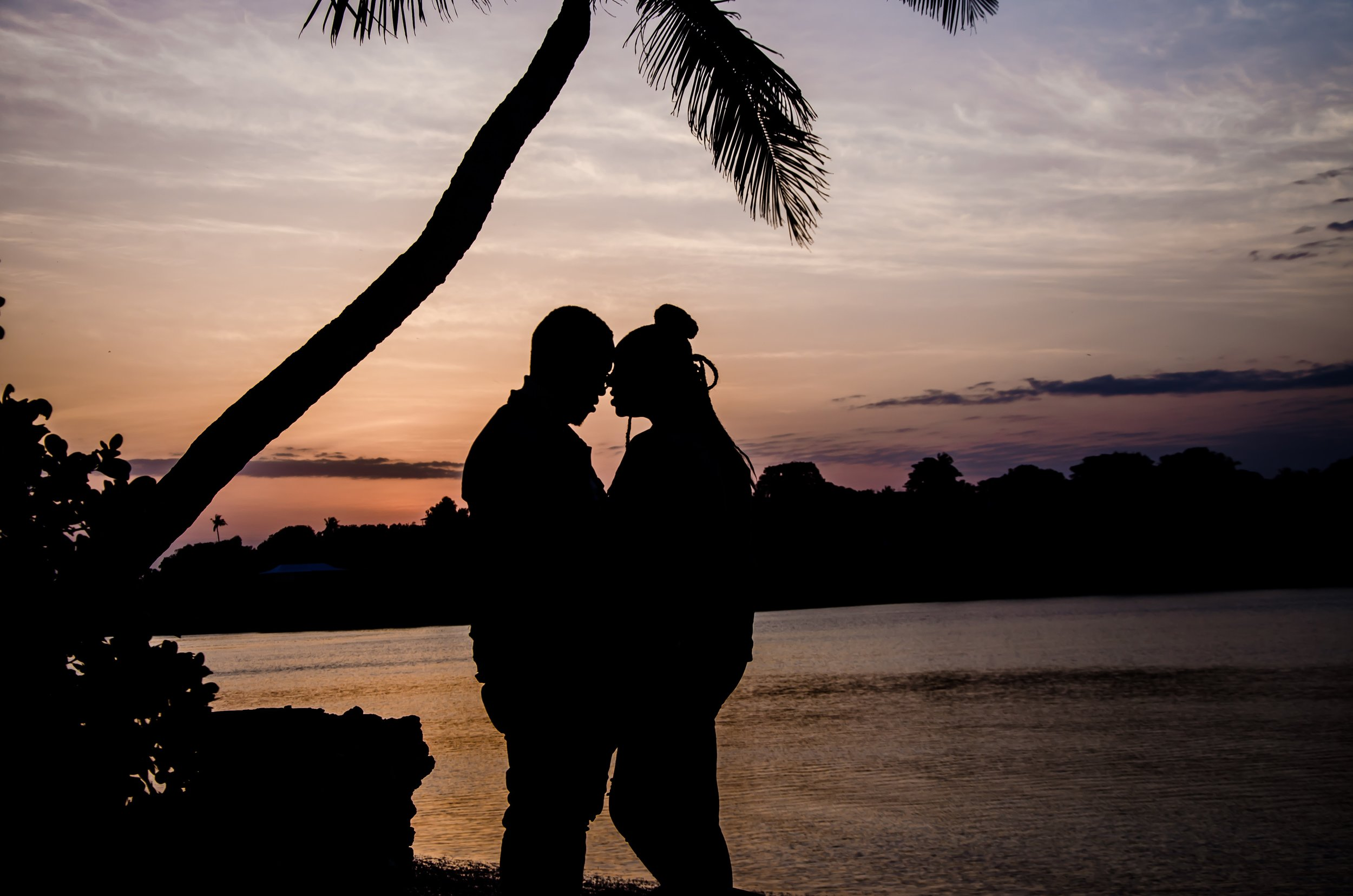backlit-beach-couple-1406892.jpg