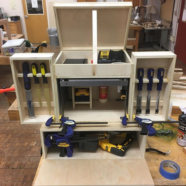 Got a lot done in the last couple days on the Load-carrying Bandsaw Tool Kit, drill this weekend so I'll get back at it next week.  #military #army #engineers #armyengineers #veteran #veteranart #veteranmade #militaryart #armyreserves #wood #plywood #woodworking #woodwork #bandsaw #bandsawbox #portable #dewalt #dewalttools #irwintools #toolstorage #grant #researchgrant #artgrant #mfa #rucksack #iupart #iup #iupwoodworking