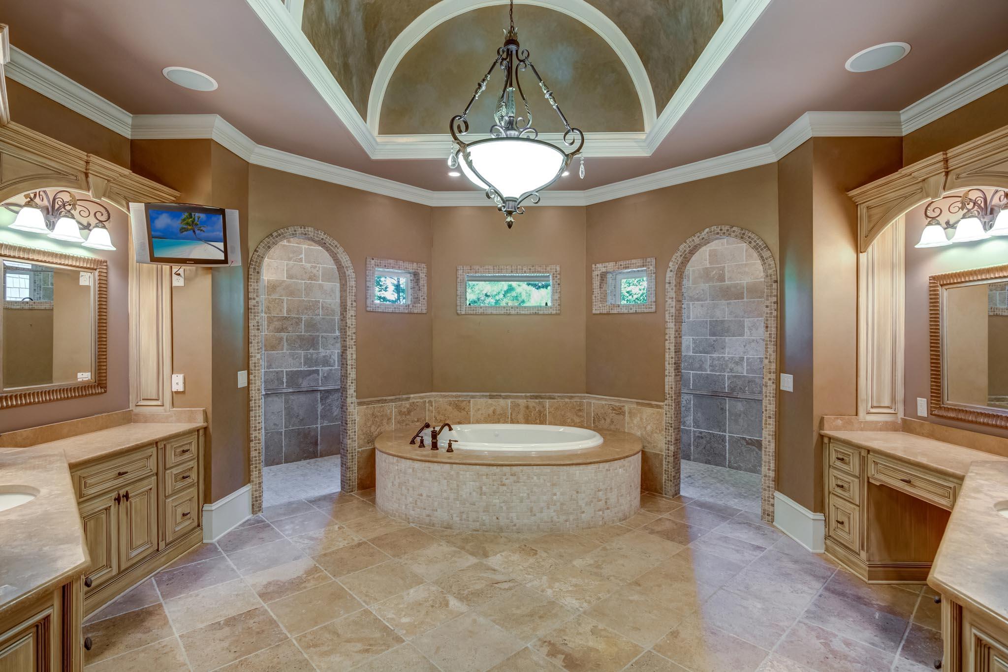real_estate_photographer_bathroom_photography-1.jpg