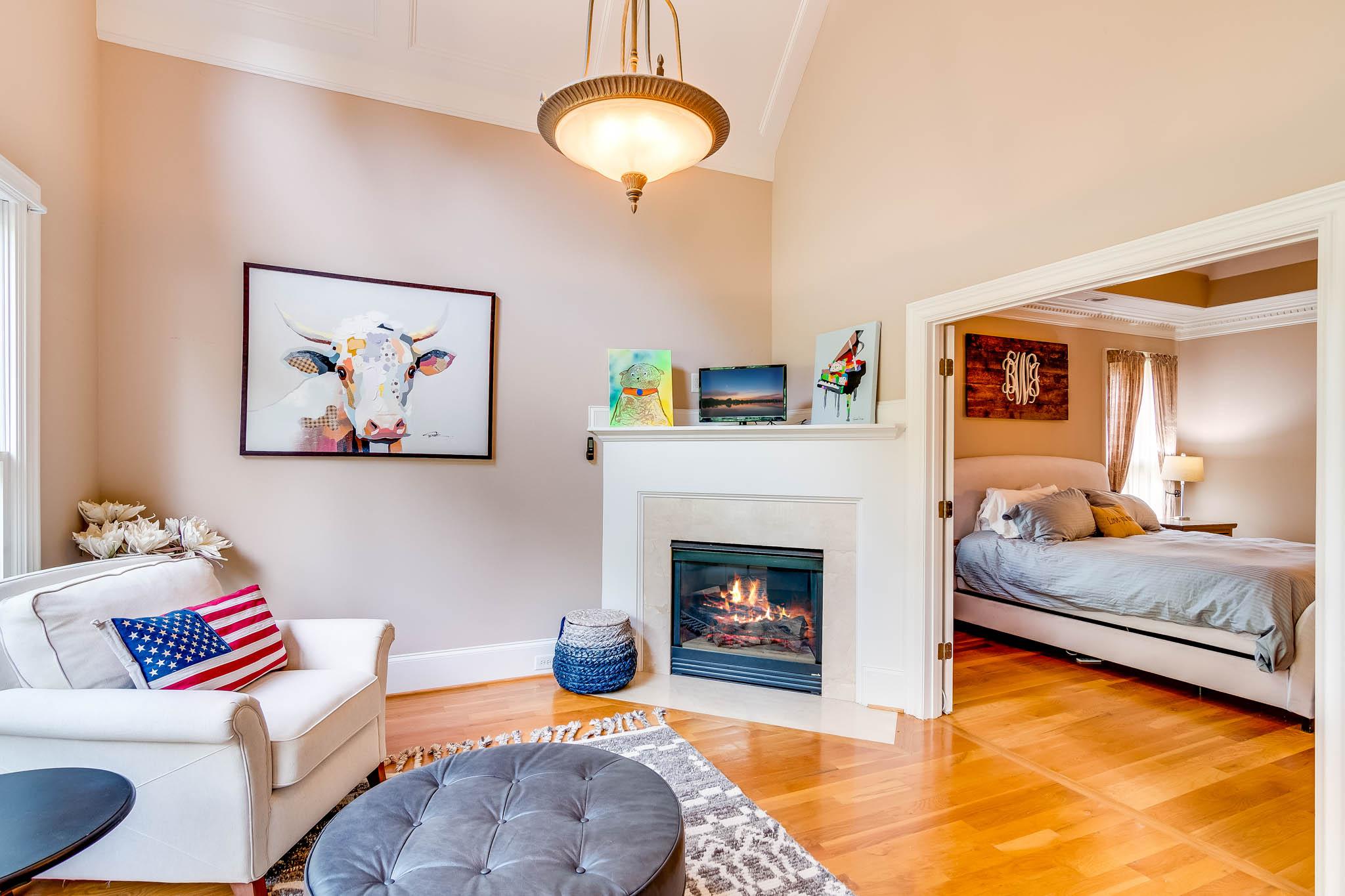 real_estate_photographer_living_room_photography-2.jpg