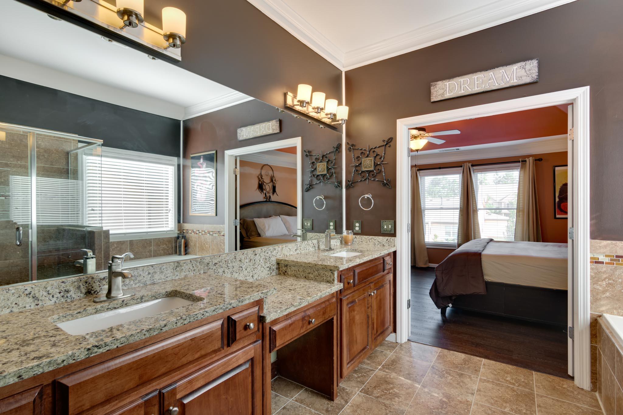real_estate_photographer_bathroom_photography-3.jpg