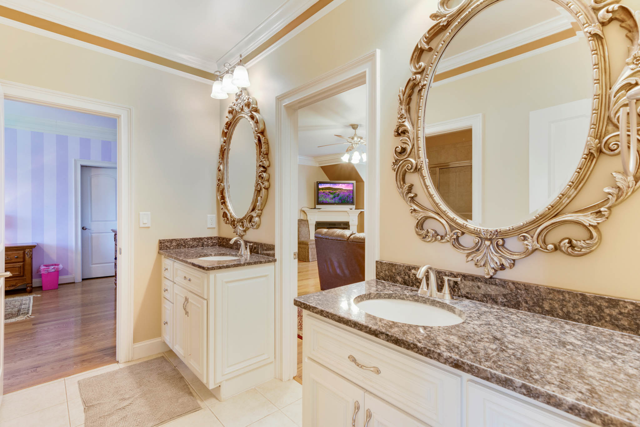 real_estate_photographer_bathroom_photography-5.jpg