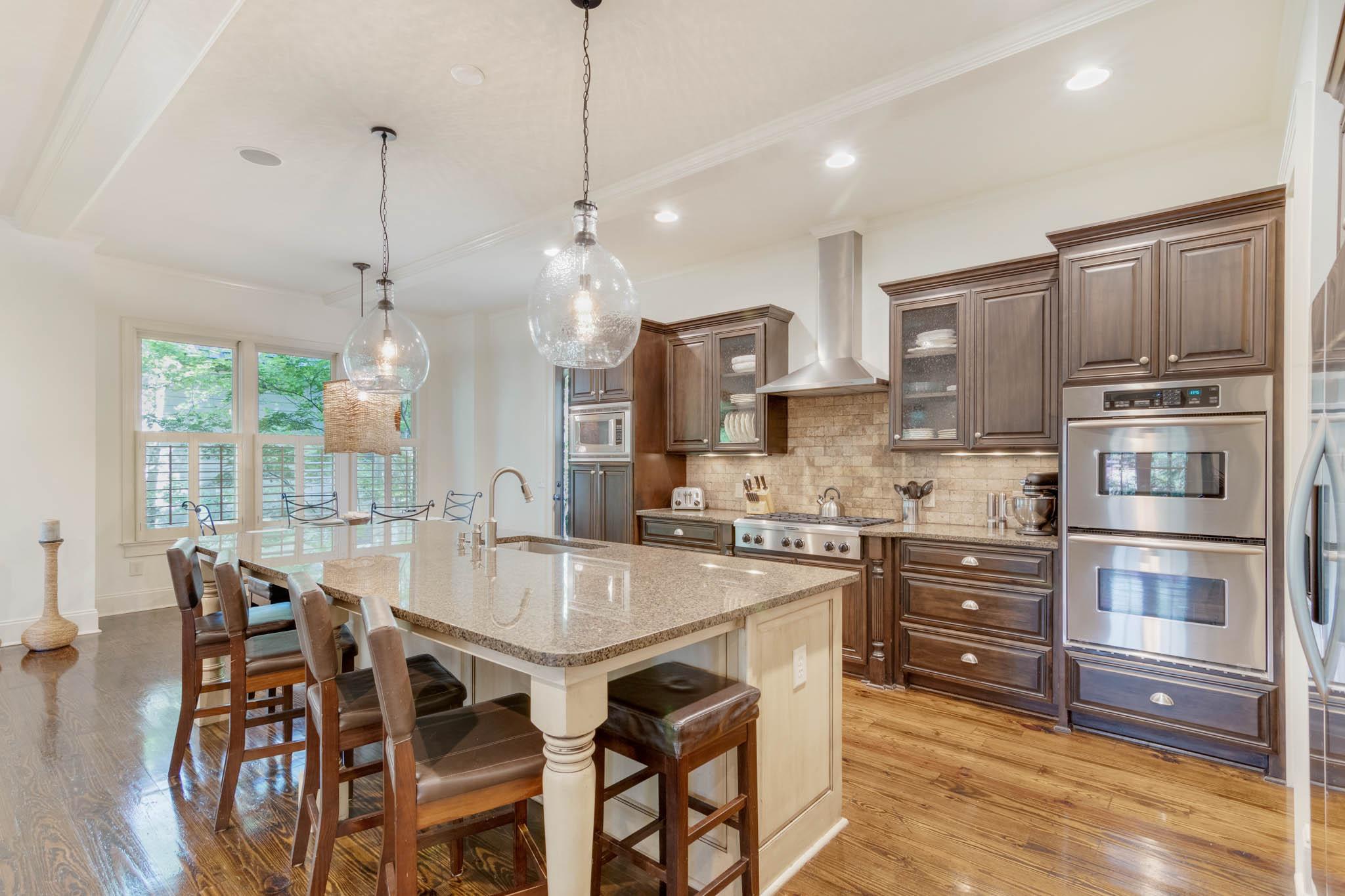 real_estate_photographer_kitchen_photography-7.jpg