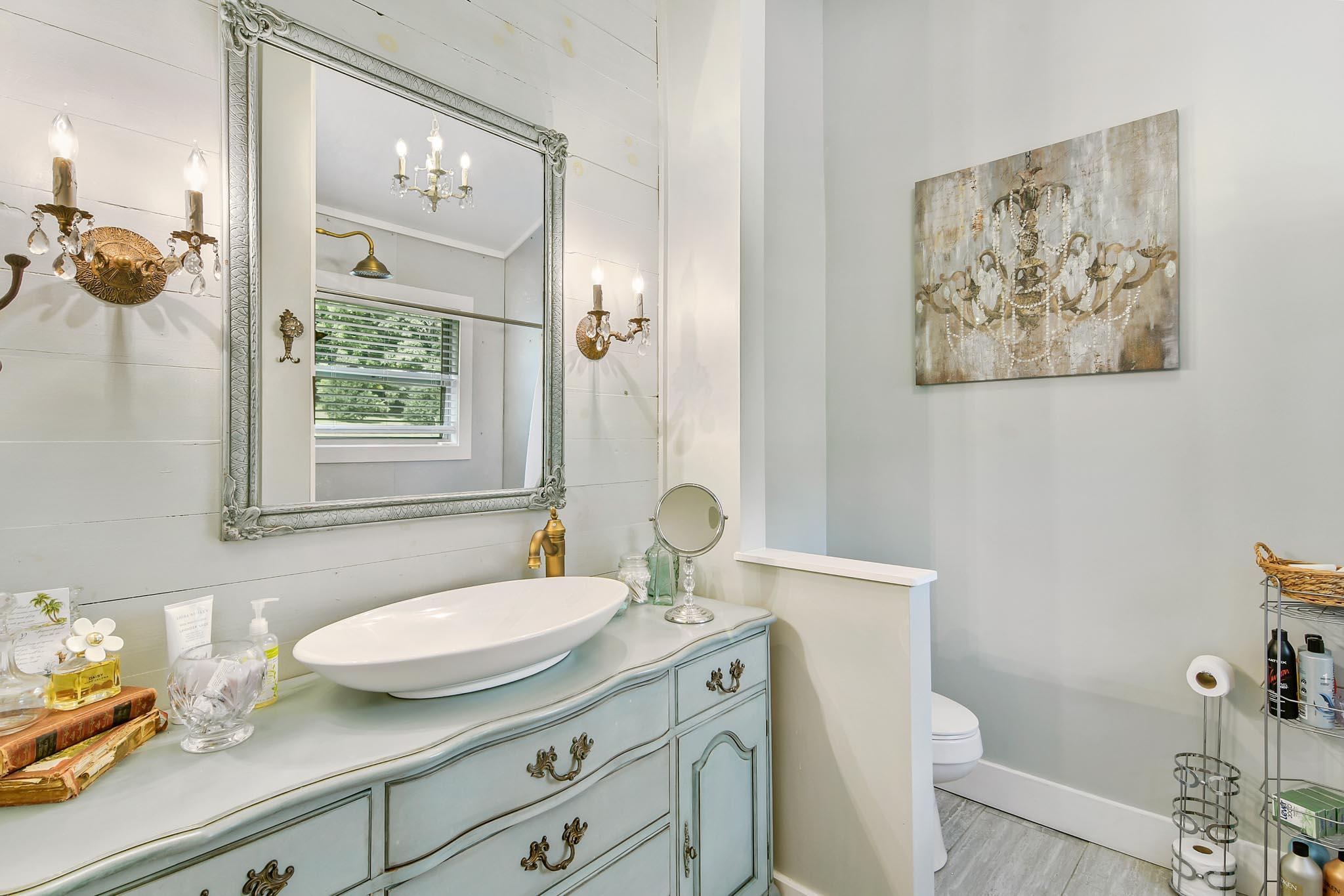 real_estate_photographer_bathroom_photography-12.jpg