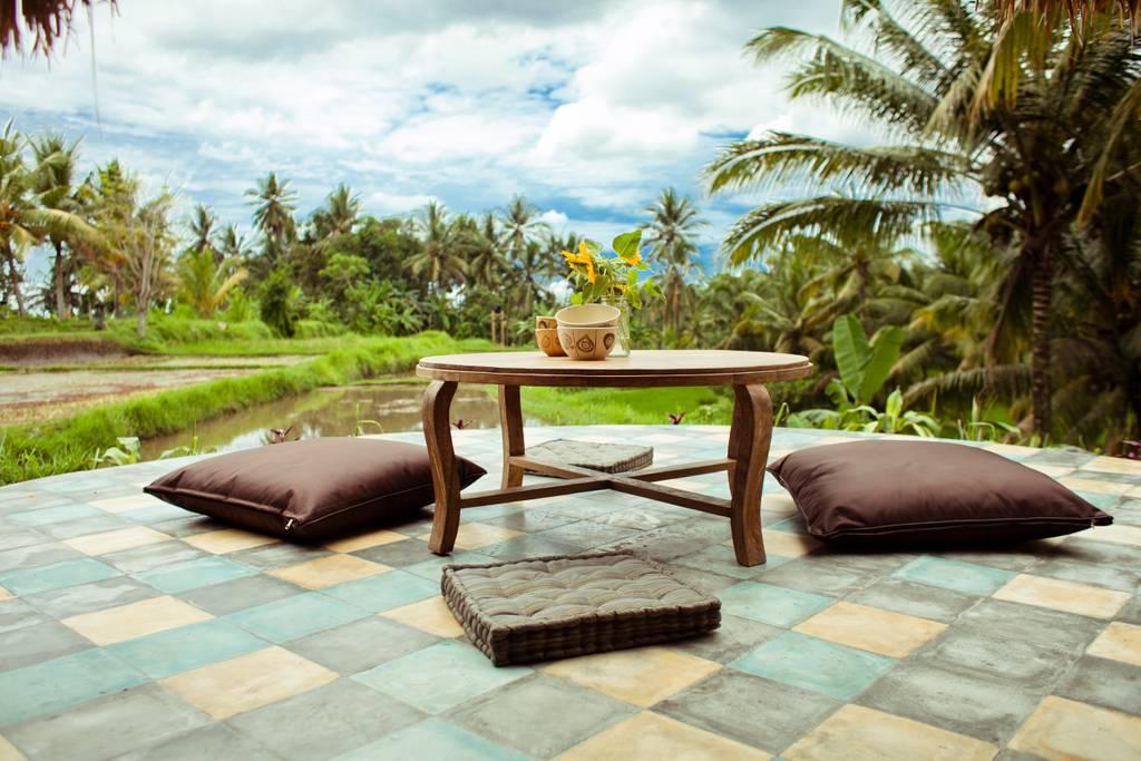 Morning tea and coffee among rice fields in Ubud