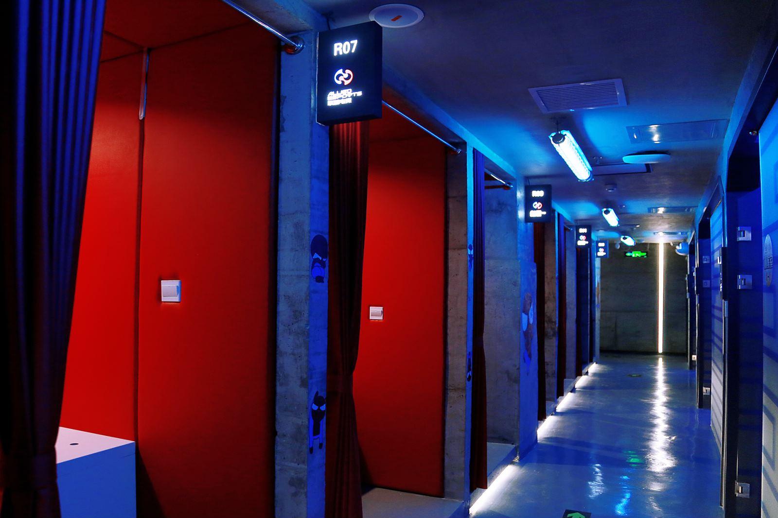 Computer Room Hallway.JPG